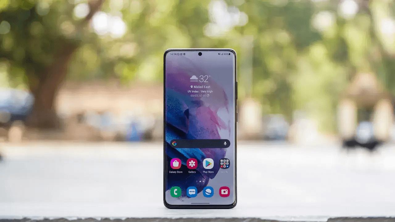 Samsung Galaxy S21 Ultra phone for developer